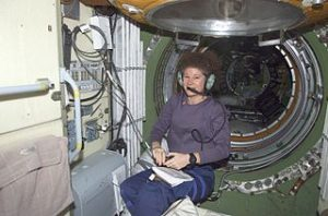 usan J. Helms talks to amateur radio operators on Earth